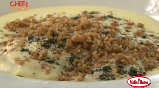 Receta de Ravioli de Calabaza con Salsa de Queso de Cabra, Nueces Caramelizadas y Hierbas Frescas